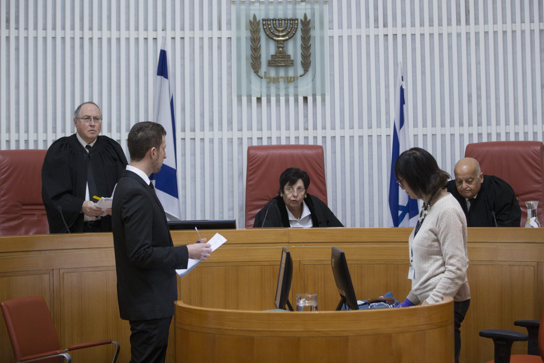 מה הם מנסים להסתיר? מרים נאור באולם בית המשפט העליון  צילום: יונתן זינדל, פלאש 90
