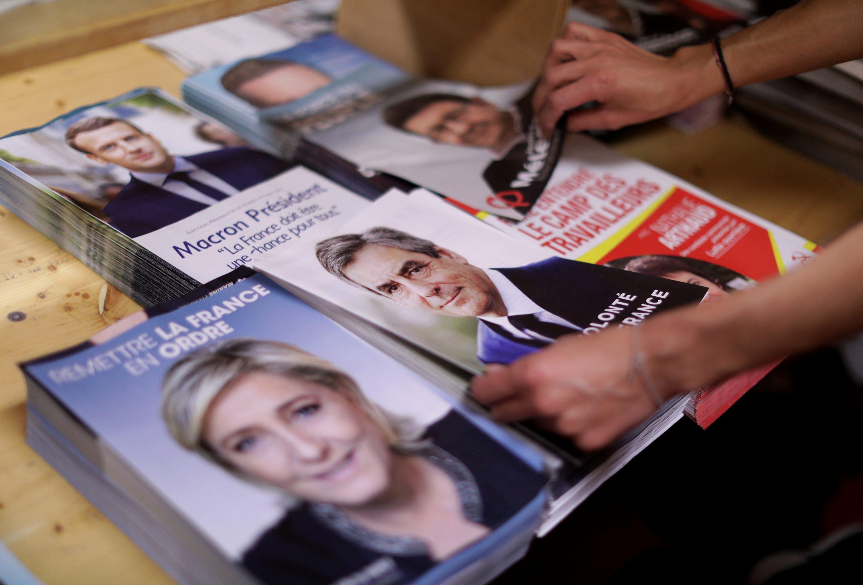 מצבם של יהודי צרפת רק יחמיר. מלנשון, לה פן, פיון ומקרון  צילום:  Eric Gaillard, רויטרס