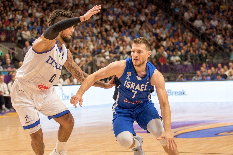 לגרמנים יש את שרודר, אבל לנו יש רביעיית צבי נינג'ה וסנטר מתאזרח. משחק נבחרת הכדורסל צילום: פלאש 90