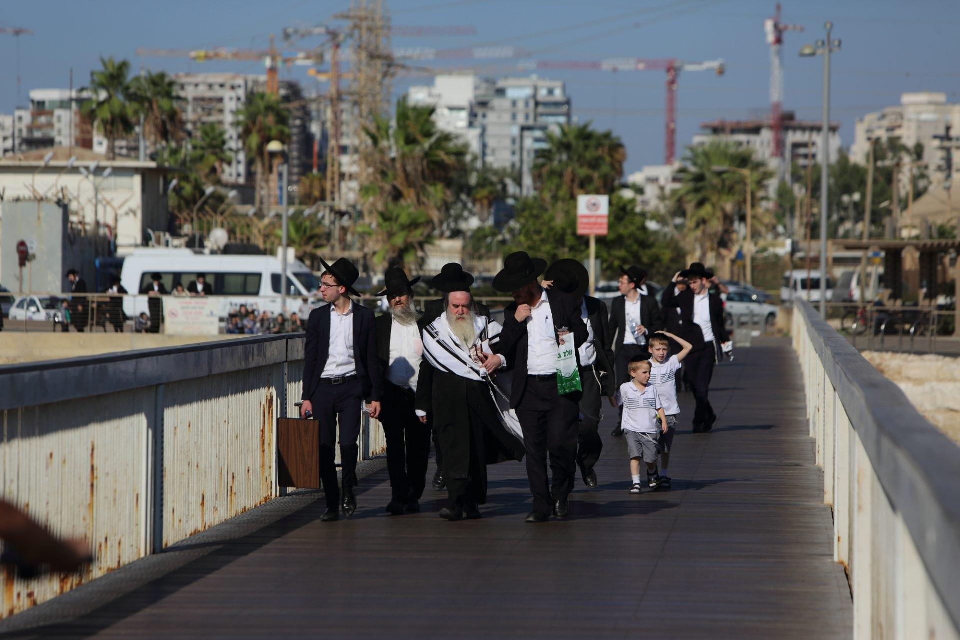 כדי לאכוף את החוק צריך קונצנזוס רחב. שבת בתל אביב צילום: יעקב נעמי, פלאש 90