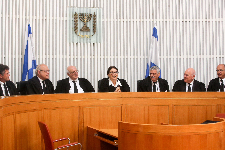 """מתי הפרשנים יספרו לנו על """"שופטים מהאגף השמאלני בבית המשפט?"""". שופטי בג""""ץ צילום: מארק ישראל סאלם, פול"""