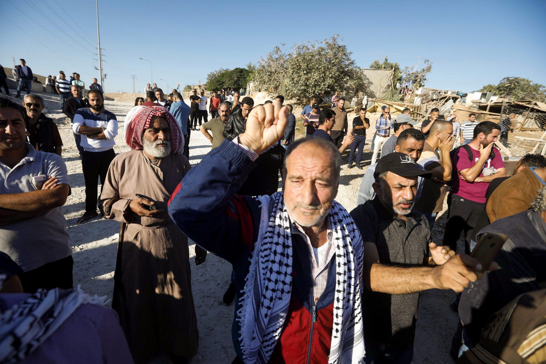 אחד מ-60 מאחזים פלשתיניים על כביש מספר 1. חאן אל-אחמר צילום: Wisam Hashlamoun, פלאש 90