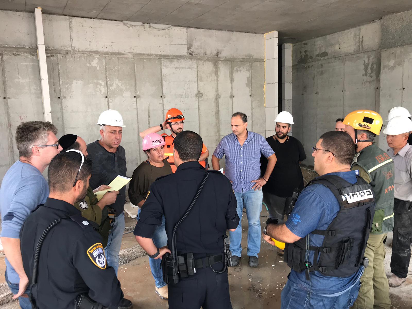 39 הרוגים באסונות בנייה ב-2018. כוחות חילוץ באתר בנייה שקרס צילום: עומר שפירא, דוברות כבאות והצלה